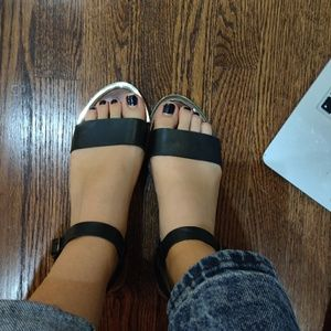 Steve Madden black strappy sandals
